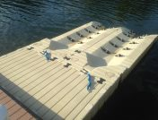 How does a floating dock work?